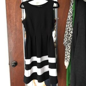 Black and white dress with pockets!